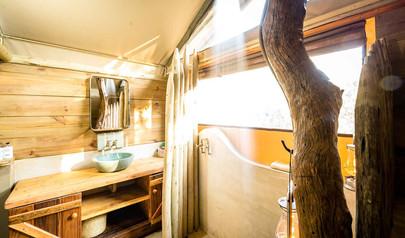 2f-shower-room.jpg