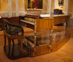 Liszt's Double-Piano for Hands & Fee