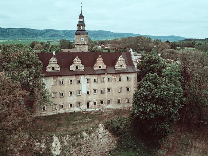 gorzanow-castle.jpg