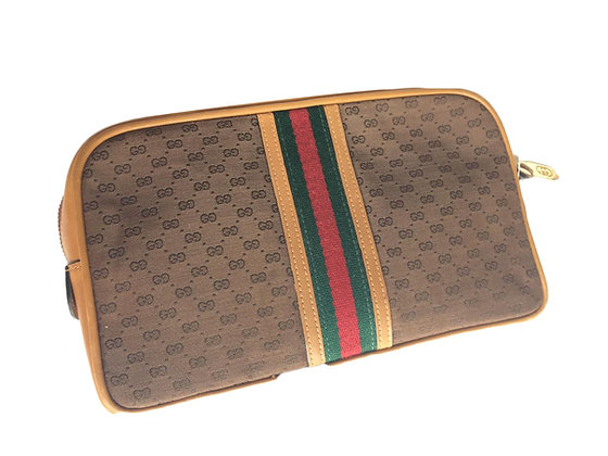 Necessaire Gucci Medidas: 26 x 15 cm Forrado en cuero