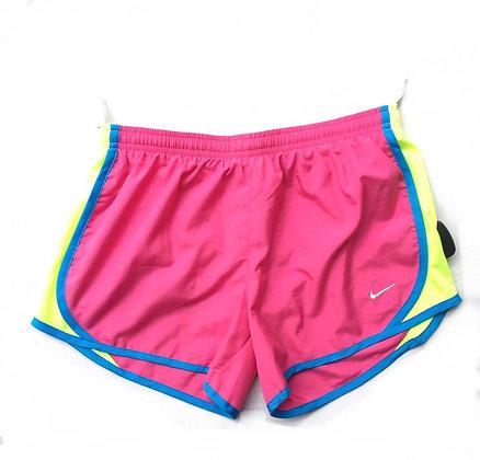 Short deportivo Nike Talle: L