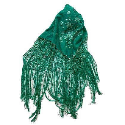 Mantón manila bordado Medidas: 66 x 65 cm