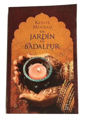 LibroUn jardín en Badalpur Medidas: 17 x 12 cm aprox