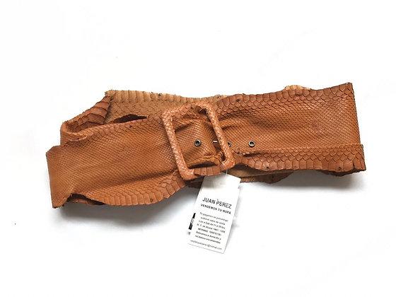 Cinturón estilo faja de cuero vibora Medidas: 105 cm