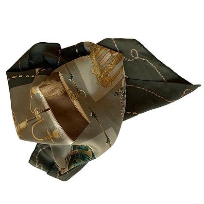 Pañuelo Longchamp Medidas: 89 x 87 cm, estampado lámparas