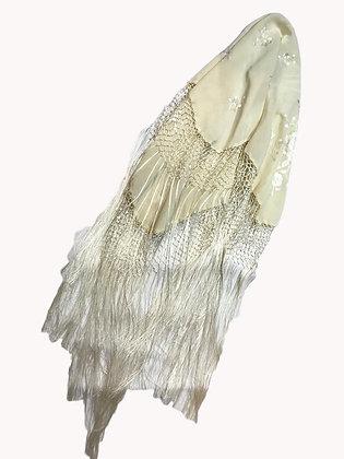 Manton Bordado Medida: 65 x 70 cm