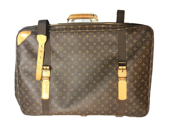 Valija Louis Vuitton Medidas: 80 cm x 40 cm aprox.