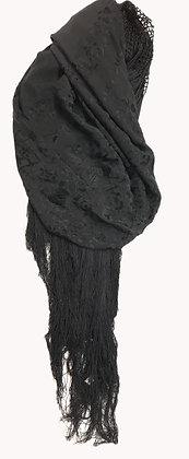 Manton Bordado Medida: 122 x 130 cm