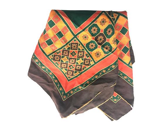 Pañuelo YSL Medidas: 90 x 88 cm