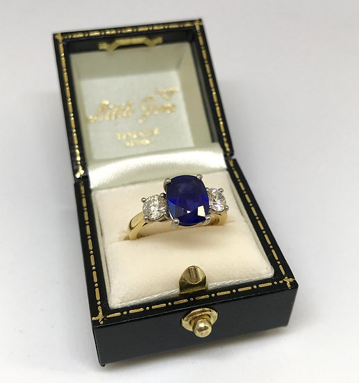 18ct 3 stone Sapphire & Diamond Ring