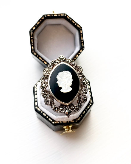 Silver Cameo Ring