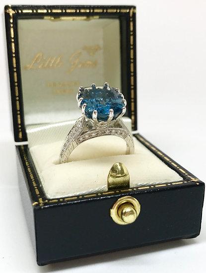 18ct Topaz and Diamond Ring