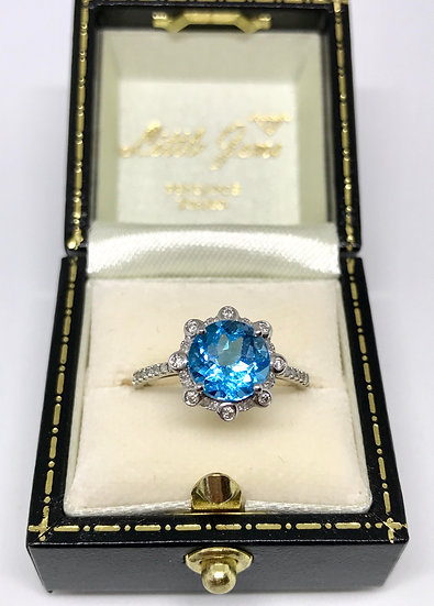 9ct Topaz and Diamond Ring