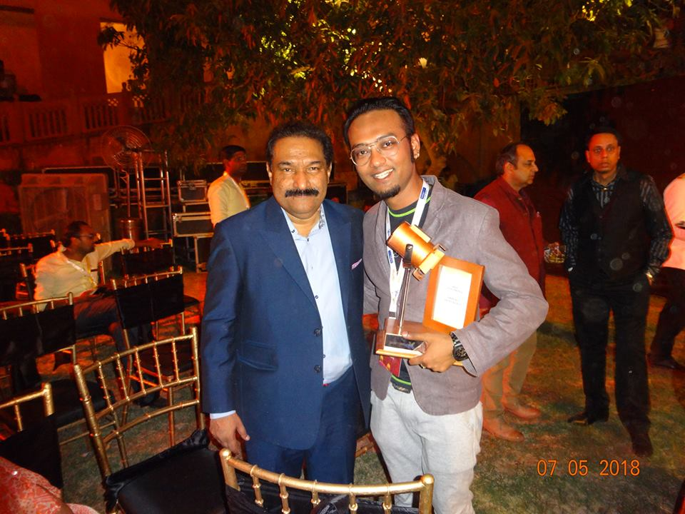 Our founder Kinjal with Wizcraft founder Mr. Sabbas Joseph after winning Spotlight Award.