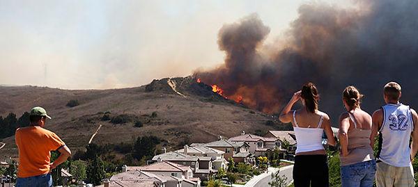 wildfire-threatening-homes.jpg