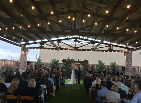 Choosing the Right Wedding DJ