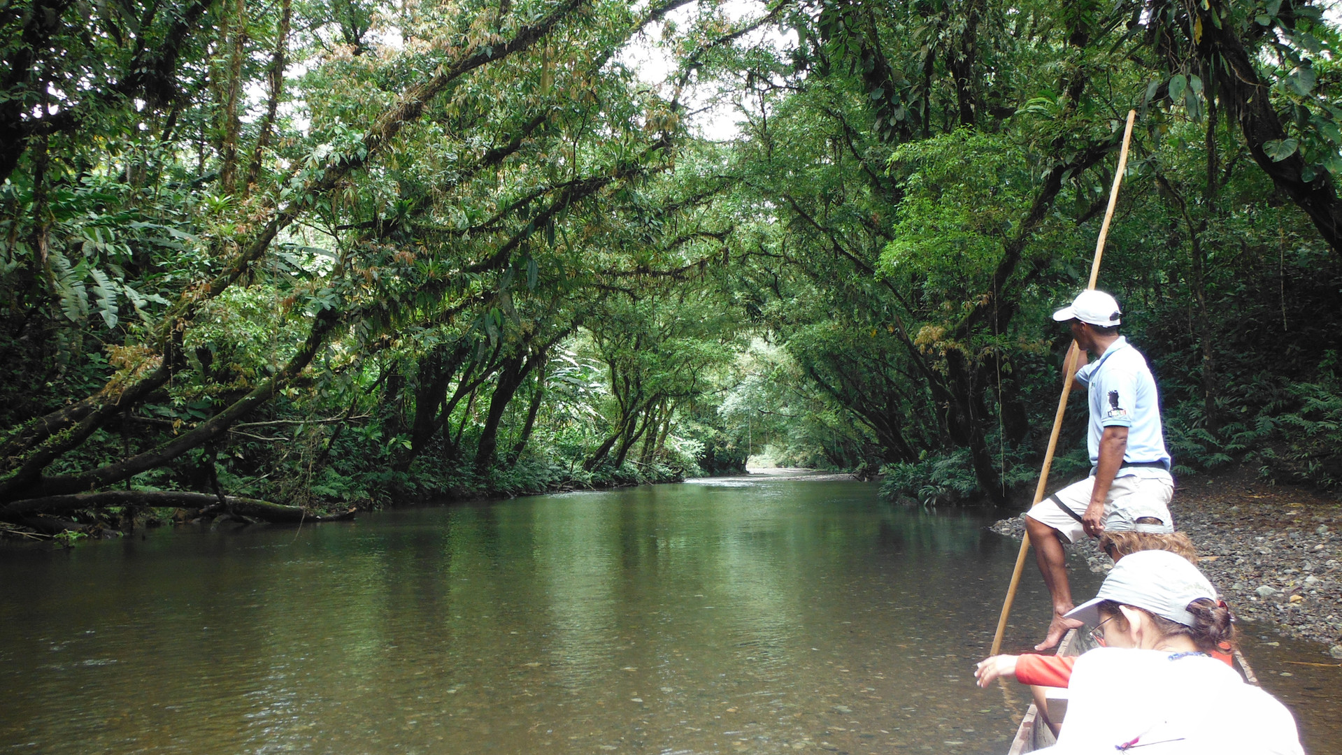 Paseo río Joví Pijibalodge