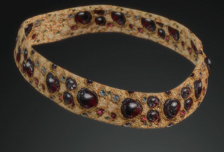 Medieval Woman Crown 1