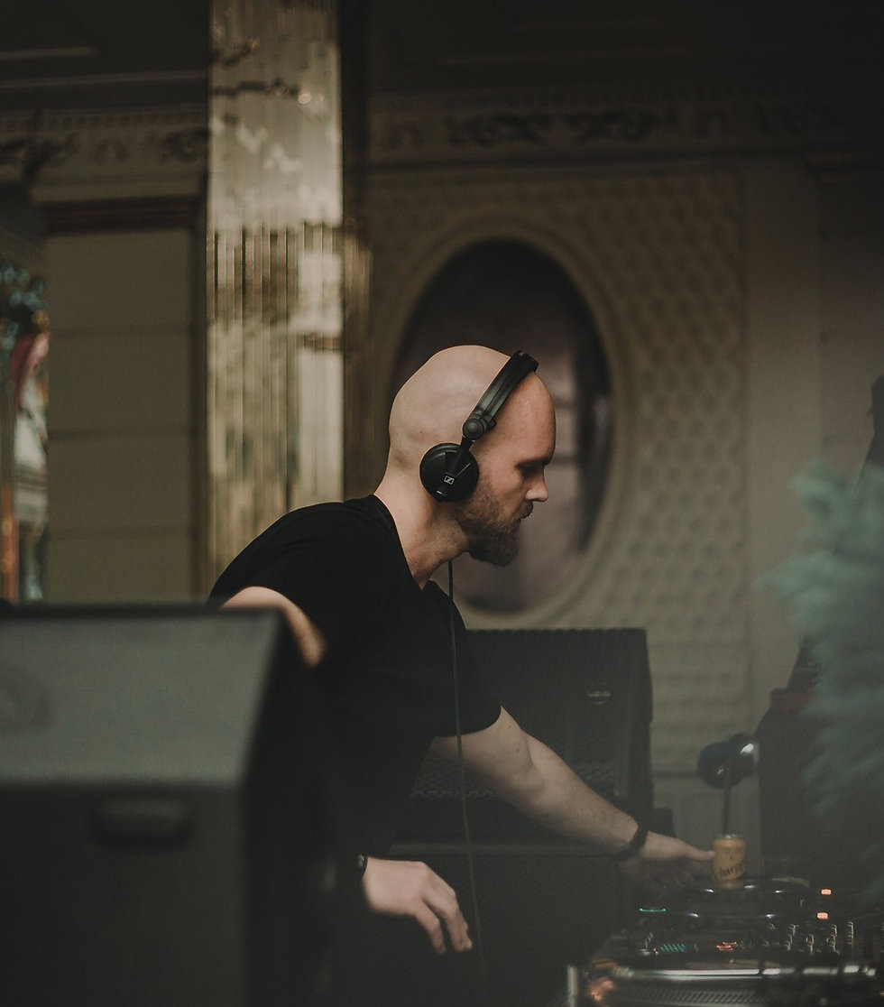 Micro House, Minimal, Techno and House music from Arad, Romania. Exclusive Interview and Mix with Somesan. Brought to you by Smelly Feet Records.