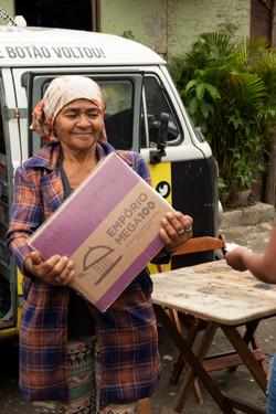 Doação de cestas básicas favela Portelinha
