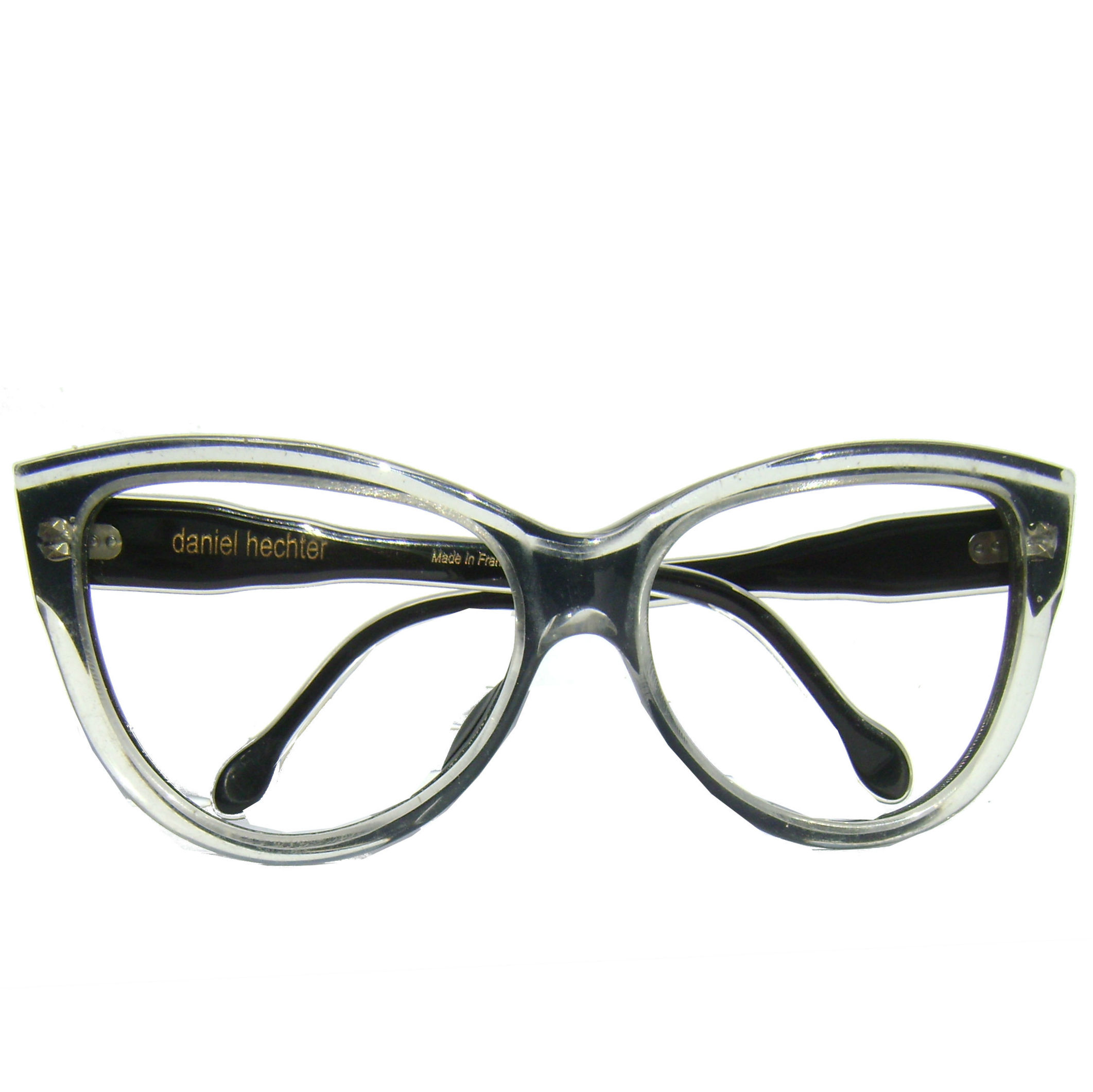 -D HECHTER  LARGE CAT EYE FRONT VIEW