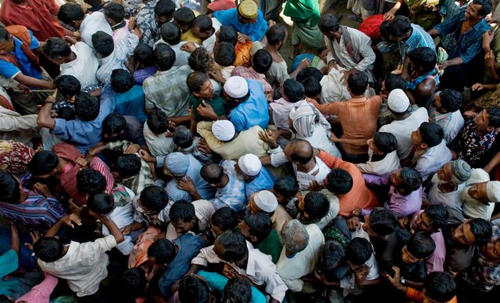 Food distrbution in southern Bangladesh following a flood. 2007