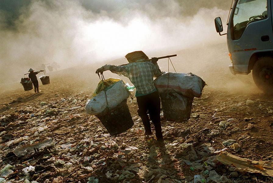 Dumpsite, Danang, Vietnam. 200