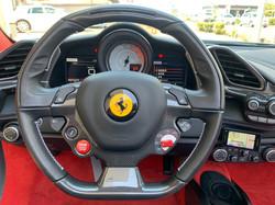 フェラーリ 488