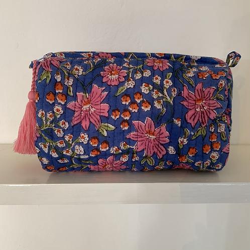 Small Pichola Washbag - Bundi Blue Floral