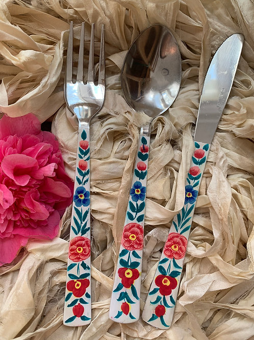 Kashmir Cutlery - Floral White