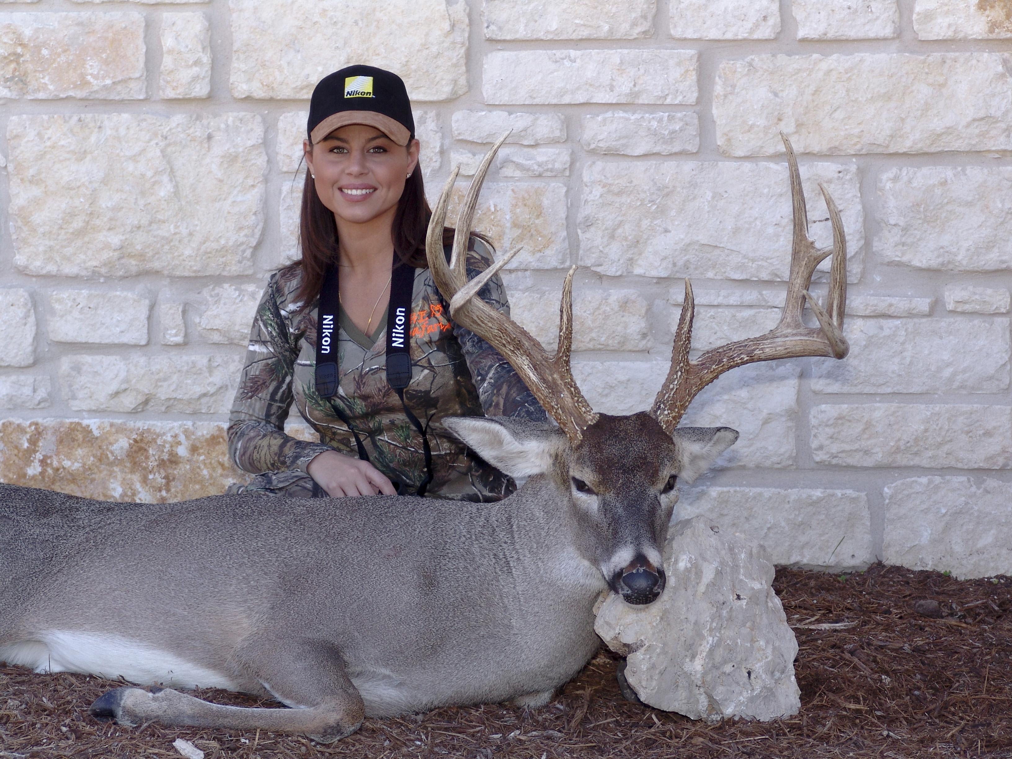 ATTO-S03-Texas-Gina-Whitetail003