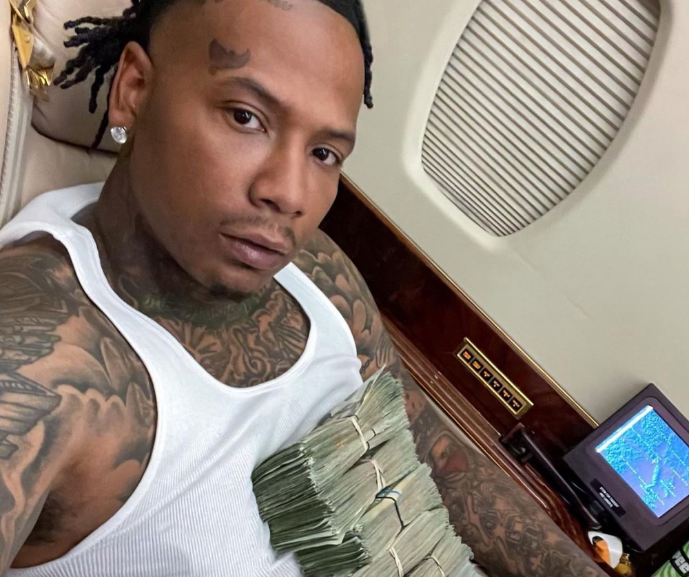 Moneybagg Yo clowned for boring show on tiktok