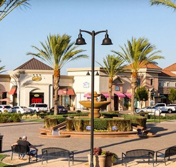 Shops at Streets of Brentwood