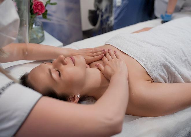 masaż-relaksacyjny-kobido-lifting-bez-skalpela-ujędrnienie-laserowe-love-racibórz