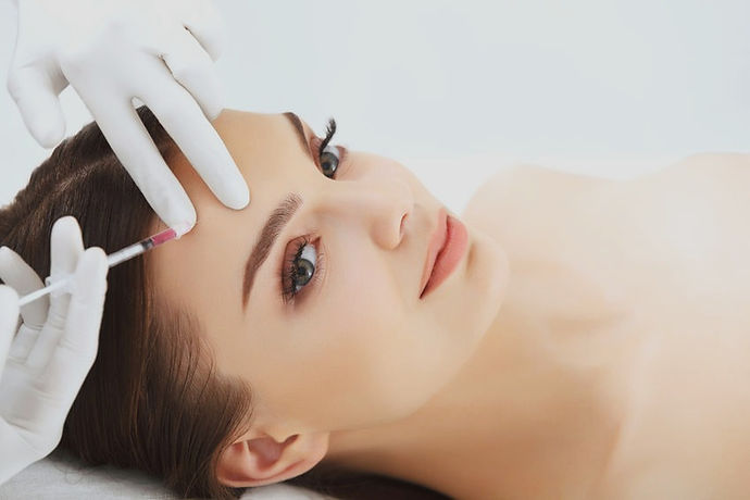 medycyna-estetyczna-racibórz-botox-kwas-hialuronoyw-osocze-bogatopłytkowe-peelingi-medyczne-powiększanie-ust-nici-skleroterapia-lipoliza iniekcyjna-plasma queen