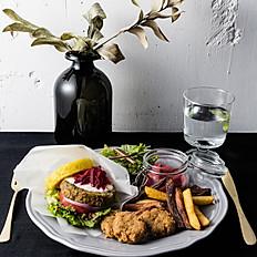 Kebab Burger - Tahini Sauce【ケバブバーガー<タヒニソース>】  Turmeric rice buns or Whole wheat bread