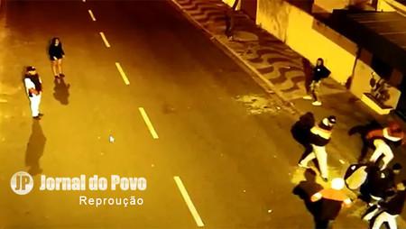 Rapaz espancado na rua em Garça segue internado na UTI do H.C, em Marília