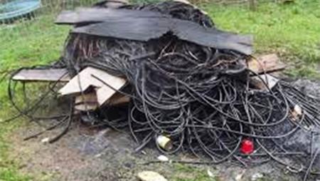 Seguem os furtos de fios e cabos elétricos na cidade. Casa Sol foi atacada