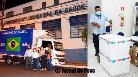 Novo lote de vacinas chega em Marília, que terá programa de imunização. Site cadastra interessados