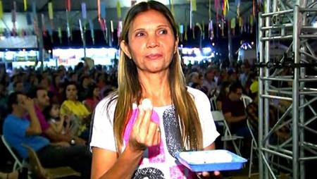 BASTOS: Mulher devora 120 ovos de codorna em 12 minutos e ganha prêmio pela quarta vez