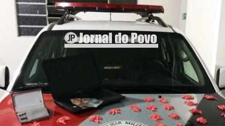 Força Tática da PM flagra traficante com notebook e drogas na Zona Sul