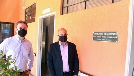 Coordenador da Defesa Agropecuária do Estado visita Unimar e relembra período em que estudou lá