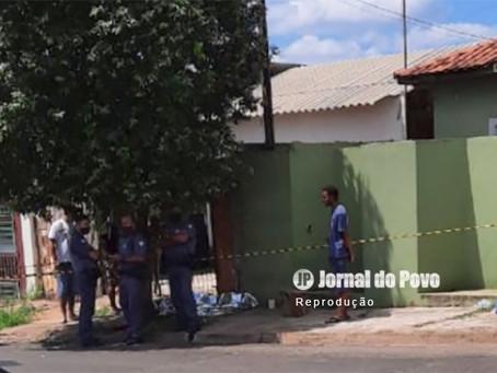 Morre a jovem de 20 anos atingida por tiros no Bairro Santa Antonieta, em Marília. Homem de motocicl