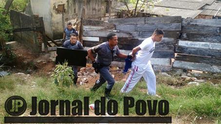 """PM prende assassino foragido na favela do """"Argollo Ferrão"""""""