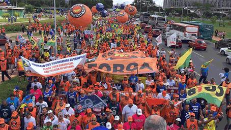 Movimento sindical avalia manifestações,  pede suspensão de reformas e foca nas diretas-já