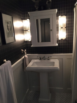 Ralph Lauren black & white bathroom