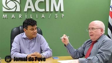 ACIM quer incrementar iluminação natalina e projeta Papai Noel virtual no centro comercial
