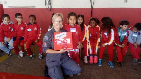 Projeto Brasinha leva crianças de Emei à sede dos Bombeiros