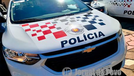 Homem é assaltado em plena luz do dia no centro de Marília. Perdeu roupas, tênis e R$ 180