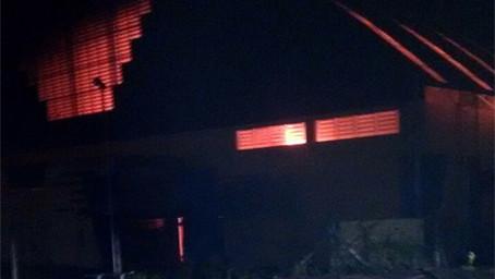 Perícia investiga suspeita de incêndio criminoso no Ginásio de Esportes da Zona Sul